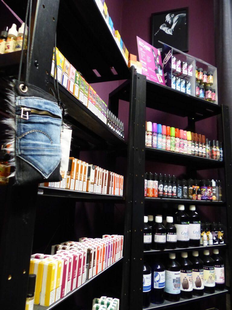 Of Vapers and Queens - Dampfer E-Zigaretten E-Liquids Zubehoer Shop Bremen hier guenstig kaufen