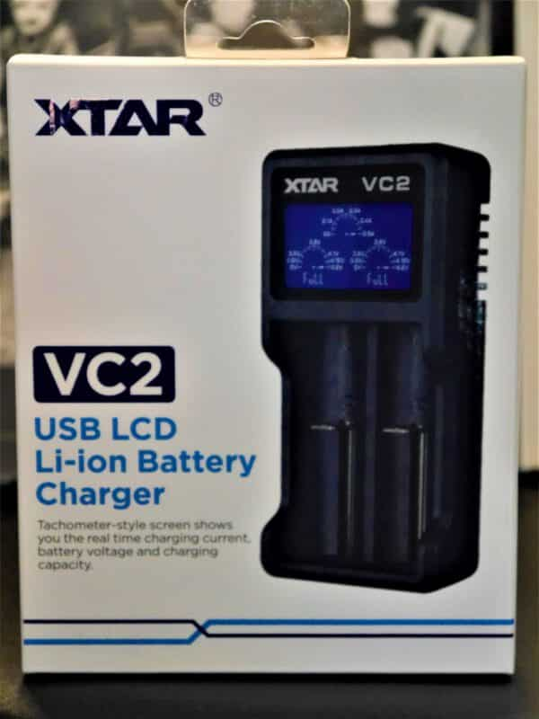 VC2 Ladegerät für Li-Ionen Akkus 3,6V - 3,7V inkl. USB-Kabel - XSTAR